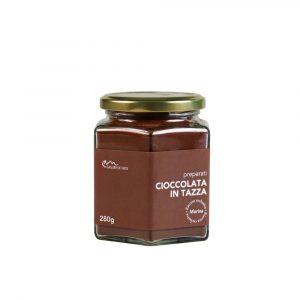 Cioccolata in tazza al naturale con cacao selezionato